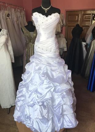 Распродажа. атласное свадебное платье