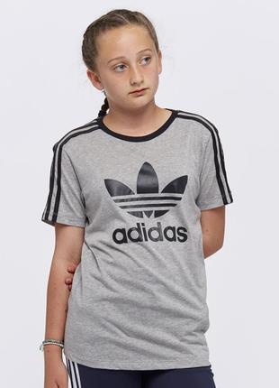 Футболка adidas (оригінал)
