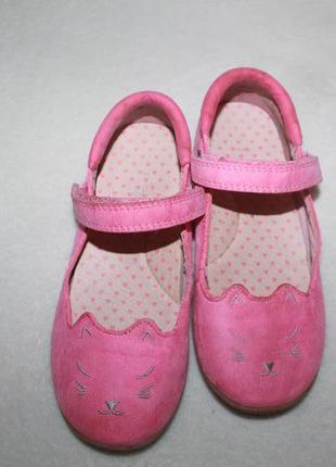Туфли фирмы next 11 размер (наш 29) по стельке 19 см.