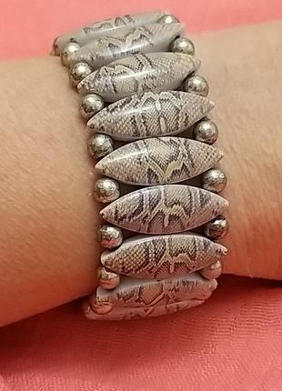 Изяшный и элегантный браслет змеиного окраса от miss tic