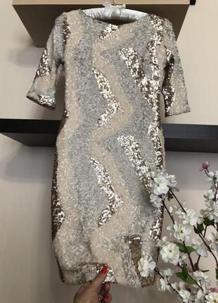 Шикарное вечернее мини платье с пайетками и открытой спиной,