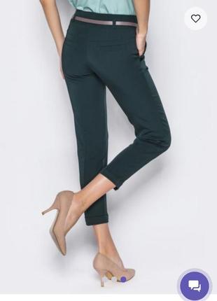 Элегантные брюки темно-зеленого цвета
