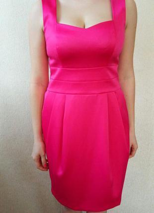 Яркое красвое платье