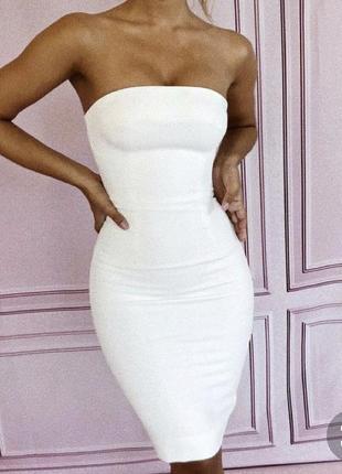 Новое нарядное свадебное платье белое