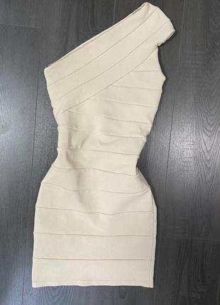 Бандажное платье бежевое