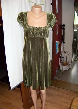 Бархатное оливковое платье в винтажном стиле с рукавами фонариками
