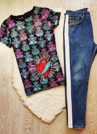 Натуральная цветная футболка с принтом рисунком коронами стразами сердцем унисекс