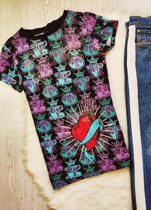 Натуральная цветная футболка с принтом рисунком коронами стразами сердцем унисекс3 фото