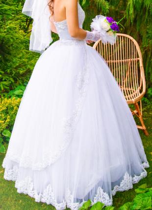 Продам эффектное свадебное платье ручной работы