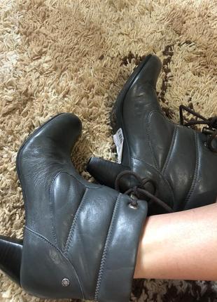 Шикарные кожаные ботинки mexx