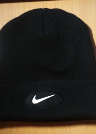 Демисезонная шапка nike оригинал adidas, stone island