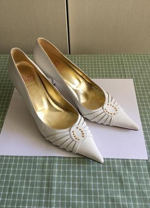 Итальянские белые туфли лодочки кожаные винтажные