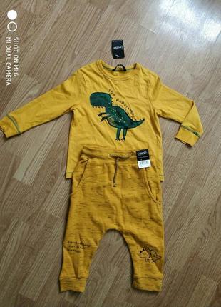 Яркая кофта, джемпер динозавры бренда george1.5-2года