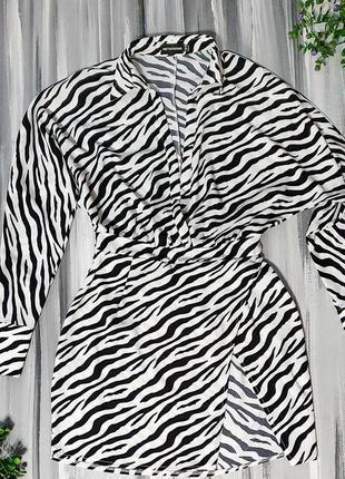 Prettylittlething ветровка/накидка зебра5 фото