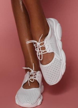 Легкие летние кроссовки с перфорацией р35-41 мокасины кеды балетки слипоны кросівки белые