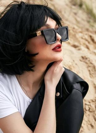 Квадратные черные женские солнцезащитные очки (1371 svtt)