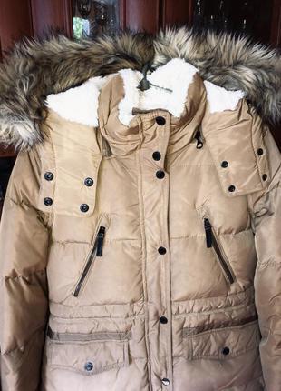 Зимняя куртка на пуху пуховая теплая курточка короткая пуховик bershka на зиму