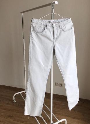 Zara ❤️широкі джинси з необробленим краєм