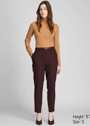 Бордовые брюки uniqlo