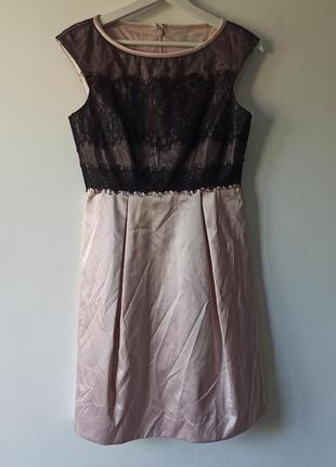 Шикарное платье с нежным кружевом