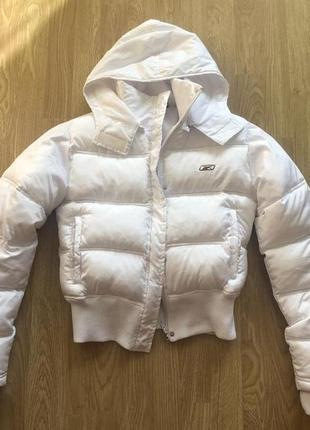 Фирменная укороченная белая курточка короткая куртка пуховик reebok