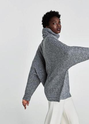 Очень объемный свитер от zara