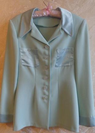 Летний приталенный пиджак блуза