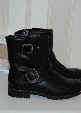 Ботинки осенние черные 37- 38 р стелька 24.3 см