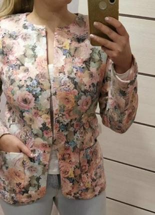 Пиджакив цветы, размер 42-50.