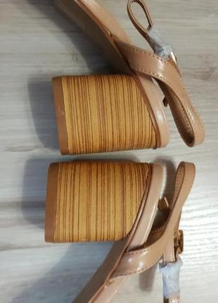 Босоножки на низком блочном каблуке асос asos park lane6 фото