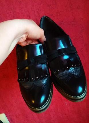 Шикарные фирменные туфли2 фото