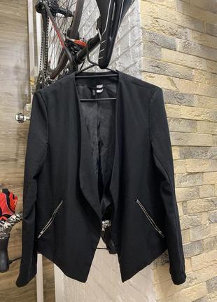 Пиджак жакет   женский чёрный с отложным  воротником легкий без застежки h&m