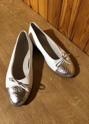 Белые кожаные туфли италия!