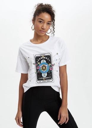 Хлопковая белая футболка с рисунком