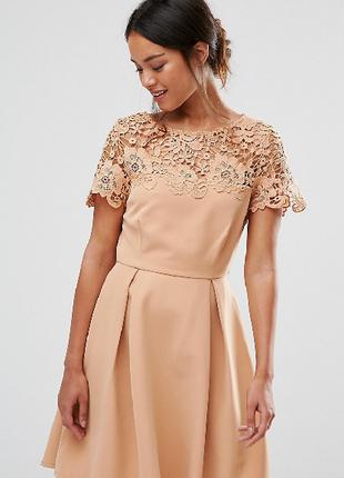 Романтична сукня з круживом.