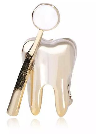 Брошь зуб с зеркалом для стоматолога