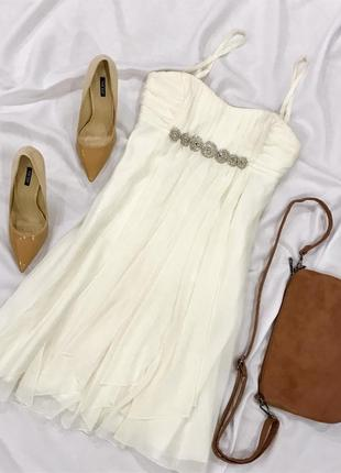Вечірнє кремове плаття