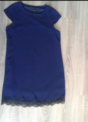 Платье синее asos стильное с чёрным кружевом нарядное missguided