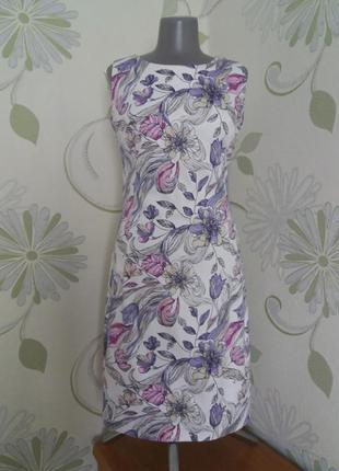 Платье-футляр летнее без рукавов в цветочный принт
