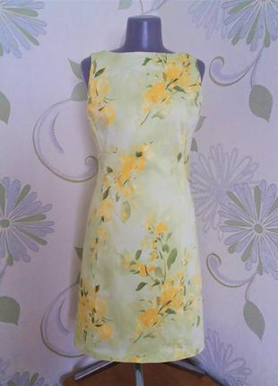 Платье-футляр в цветочный принт летнее