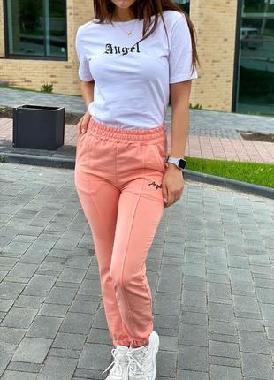 Спортивный костюм футболка и штаны на манжетах