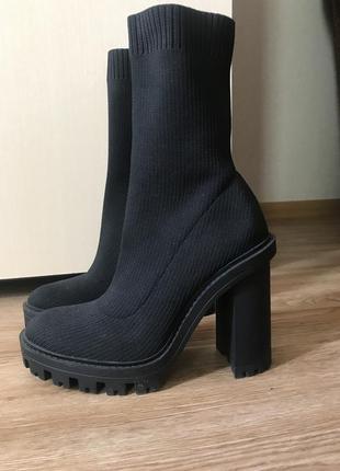 Новые ботинки 36 размер