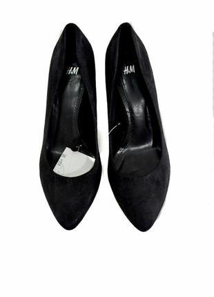 Женские черные туфли h&m. код п122.  под замшу.