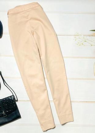 Стильные укороченные брюки h&m пудрового цвета