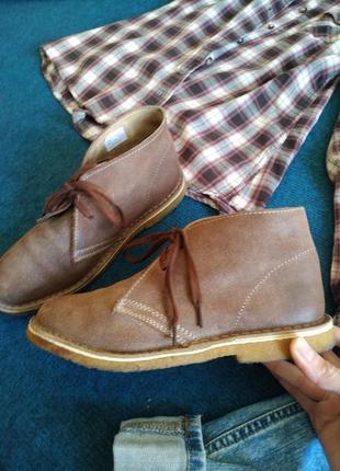 Обалденные ботинки-дезерты потрясающего цвета. состояние новых!