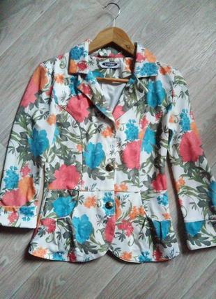 Летний пиджак в цветочный принт