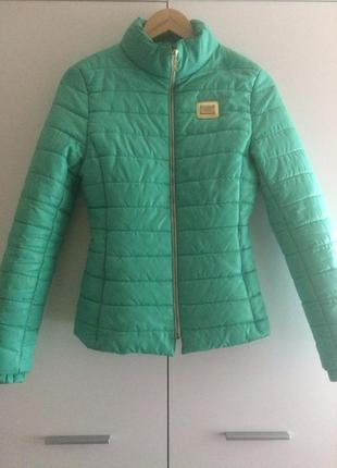 Теплая курточка на весну-осень