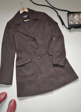 Красивое пальто цвета горького шоколада marc aurel