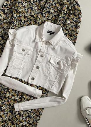Милый укороченный джинсовый пиджак / куртка pretty little thing