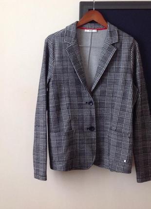 Трендовий піджак з лампасам люкс бренду brax jacket with stripes оригінал